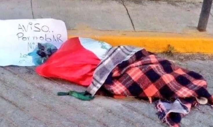 Una de las fotos del decapitado que circula en redes.