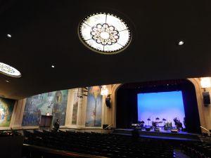 """Eddie Palmieri le """"pone azúcar"""" a reapertura de majestuoso teatro de El Museo del Barrio"""