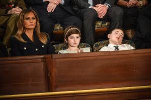 Discurso del Estado de la Unión: el niño Trump dormido, el aplauso de Pelosi y otros 4 momentos curiosos