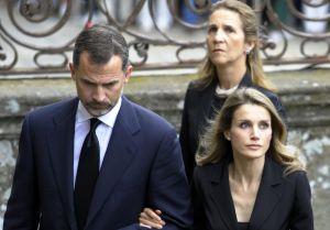 """Infanta Elena estalla en contra de la reina Letizia de España: """"Tú eras pobre y plebeya"""""""