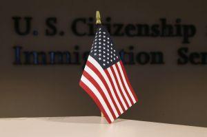 USCIS cambia regla para parejas extranjeras de estadounidenses que involucran a menores de edad
