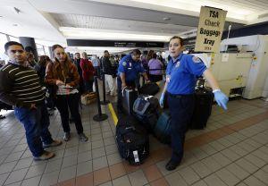 Agente de TSA se suicida en pleno aeropuerto desatando caos, demoras y cancelación de vuelos