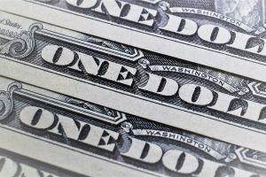 A cuánto se vende el dólar hoy en México: El peso retrocede un poco
