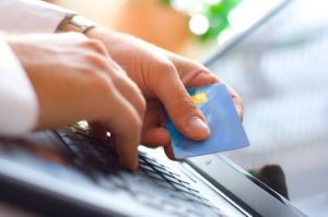 ¿Quieres comprar un auto en Internet? Cuidado con los estafadores