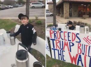 Agreden a niño que vende chocolate caliente para juntar dinero para el muro de Trump