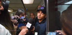 Ozuna llega al tribunal a hablar de caso de Kevin Fret; pasa 4 horas con los fiscales