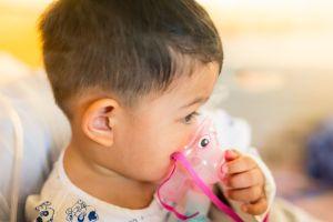 ¿Cómo saber si un niño tiene asma y cómo se transmite?