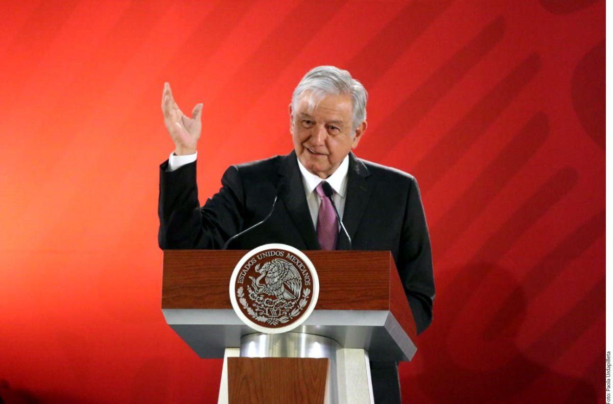 "Dejan narcomanta contra Andrés Manuel López Obrador en el ""Puente de la Muerte"""