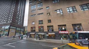 Hombre muere al caer mientras reparaba su ventana en Nueva York