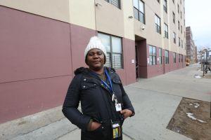 Con trabajo, pero sin hogar: la crisis de conseguir vivienda en  NYC