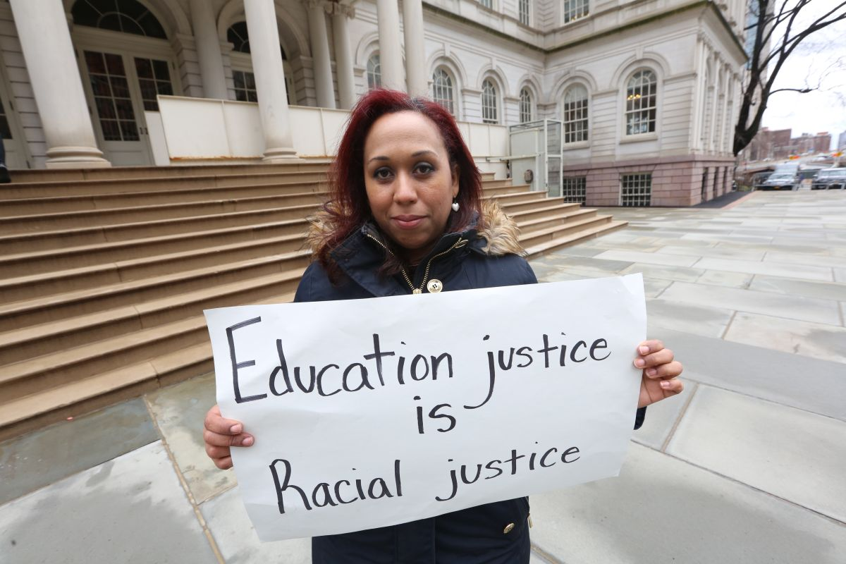 Denuncian alza de hacinamiento en salones de escuelas públicas de NYC