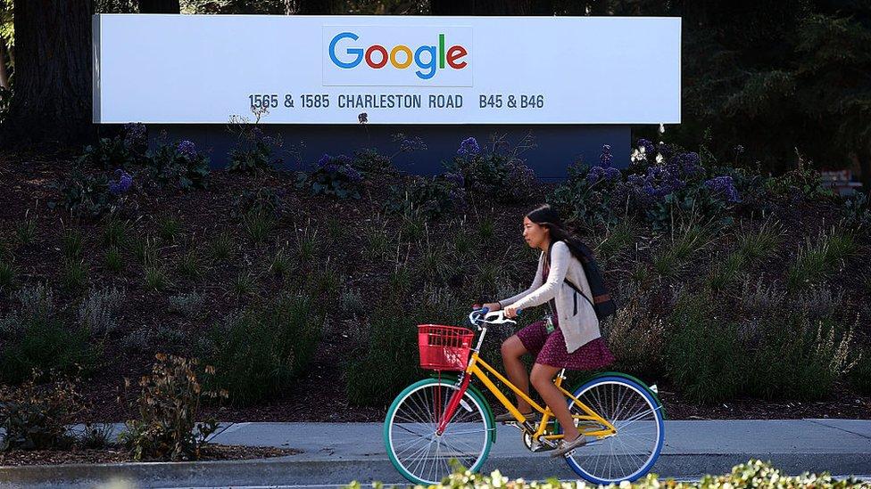 Lo que revela el polémico análisis de igualdad salarial entre hombres y mujeres en Google