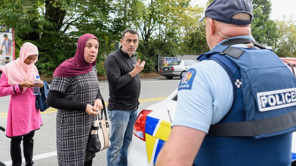 """Pistolero antiinmigrante de Nueva Zelanda pensaba que debía eliminar a """"invasores"""" no blancos"""