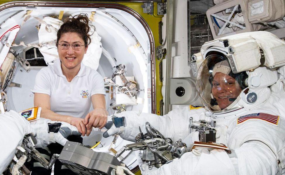 La NASA cancela la histórica caminata espacial de mujeres porque no hay suficientes trajes a medida