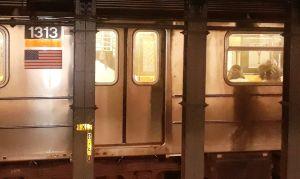 """Algunos vagones del Metro de Nueva York son lanzados al mar por razones """"ecológicas"""""""