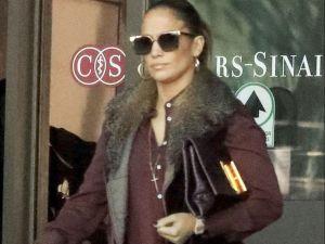 Las arrugas en el vientre de Jennifer López se roban todas las miradas