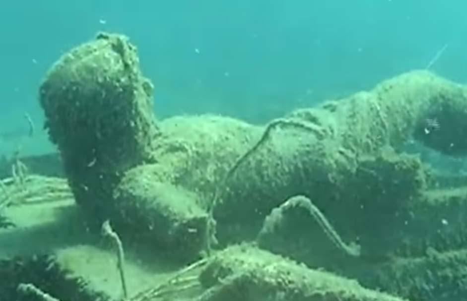 """""""El Cristo en la cruz"""" del Lago Michigan tiene una trágica historia de fondo"""