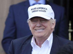 """Escolares """"castigados"""" en Arizona por llevar ropa y gorras MAGA"""