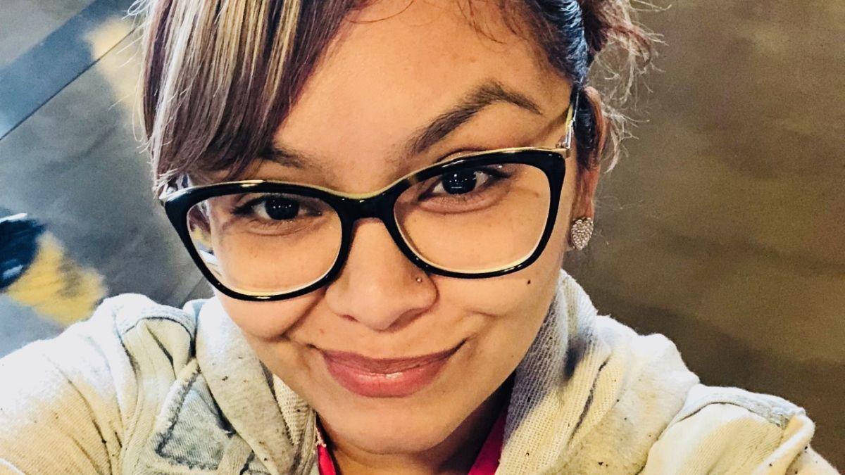 Madre hispana muere al ser impactada por piedra que arrojaron en autopista de Texas