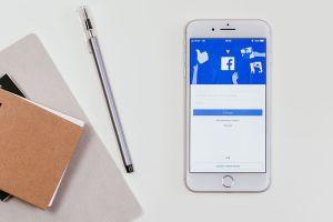 Cómo ganar dinero usando Facebook
