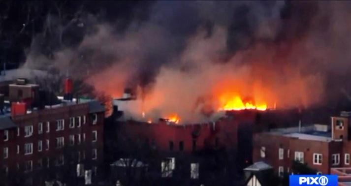 150 personas quedan sin hogar tras incendio en Yonkers