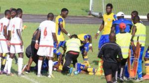 Video: Futbolista sufre paro cardíaco y muere en la cancha en pleno partido