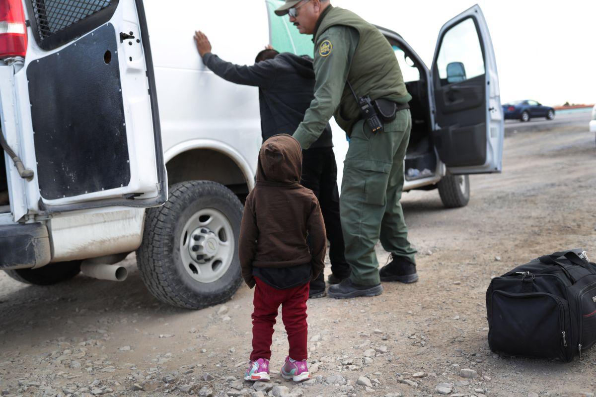 Aumenta 300% detención de familias en la frontera