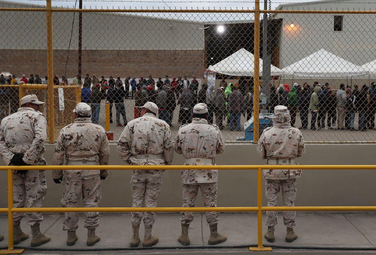 Gobierno Trump plantea llevar menores inmigrantes a instalaciones militares