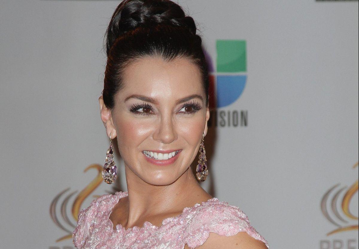Elizabeth Gutiérrez se pone más caliente en Instagram con la tanguita de su traje de baño negro