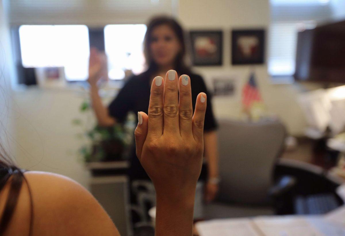 Los peticionarios de asilo tienen derecho a tener un abogado en entrevistas con USCIS.