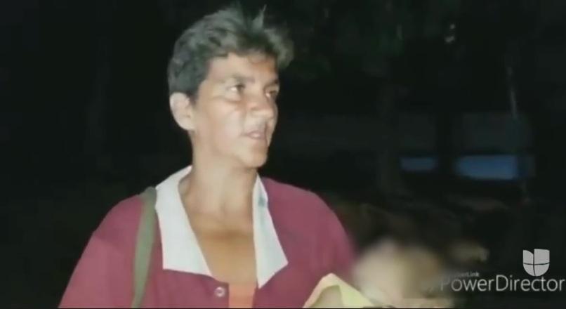 Conmovedor video de venezolana cargando el cadáver de su hija desnutrida por falta de comida y luz