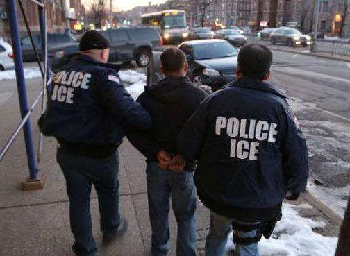"""Alertan sobre las """"tácticas de miedo"""" de ICE"""