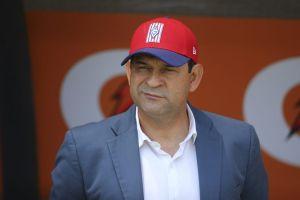 Chivas enfrenta el desastre y cesa a José Saturnino Cardozo