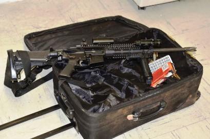 """Atraparon a hombre paseando por Brooklyn con una metralleta cargada para """"vengarse"""""""