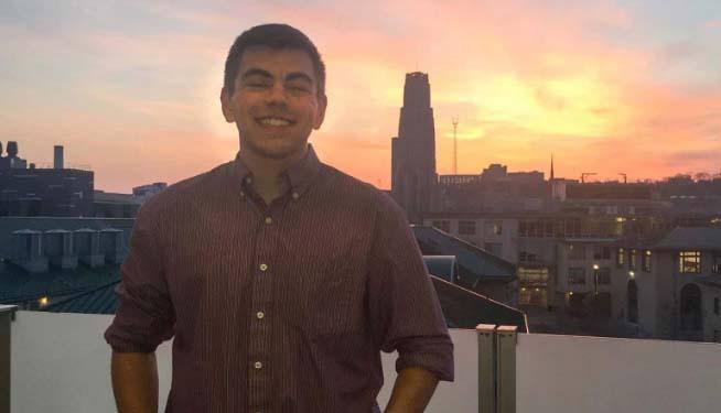 Tenía 22 años, murió en su escritorio en Google de NYC y recién revelan la causa