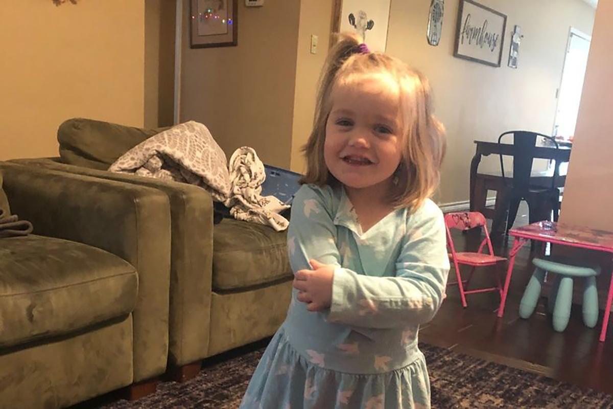 Niña de Georgia se ahoga en la bañera mientras su madre doblaba la ropa