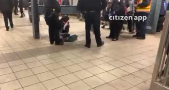 Conductor y pasajero atacados en disputas en el Metro de Nueva York