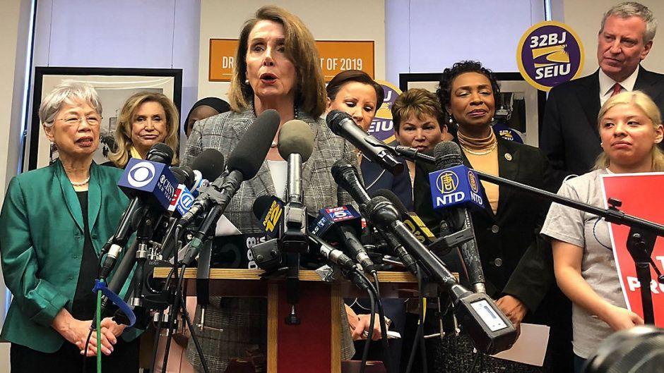 Pelosi promovió agenda migratoria en Nueva York y lanzó indirecta sobre aspiración presidencial del alcalde