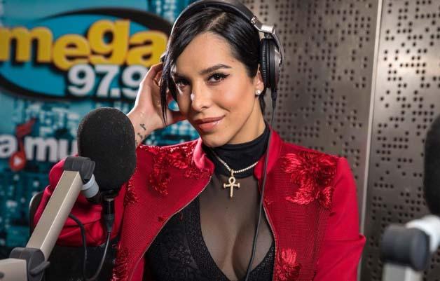 """Jessica Pereira renuncia a """"El Vacilón de la Mañana"""", de La Mega 97.9, por falta de visa de trabajo"""