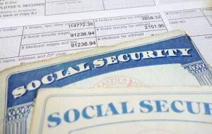 ¿A quiénes aplicaría el aumento de $200 en el cheque de Seguro Social que prometió Joe Biden?