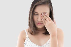Agujero macular: ¿Cuáles son los síntomas y tratamientos de este problema de la retina?