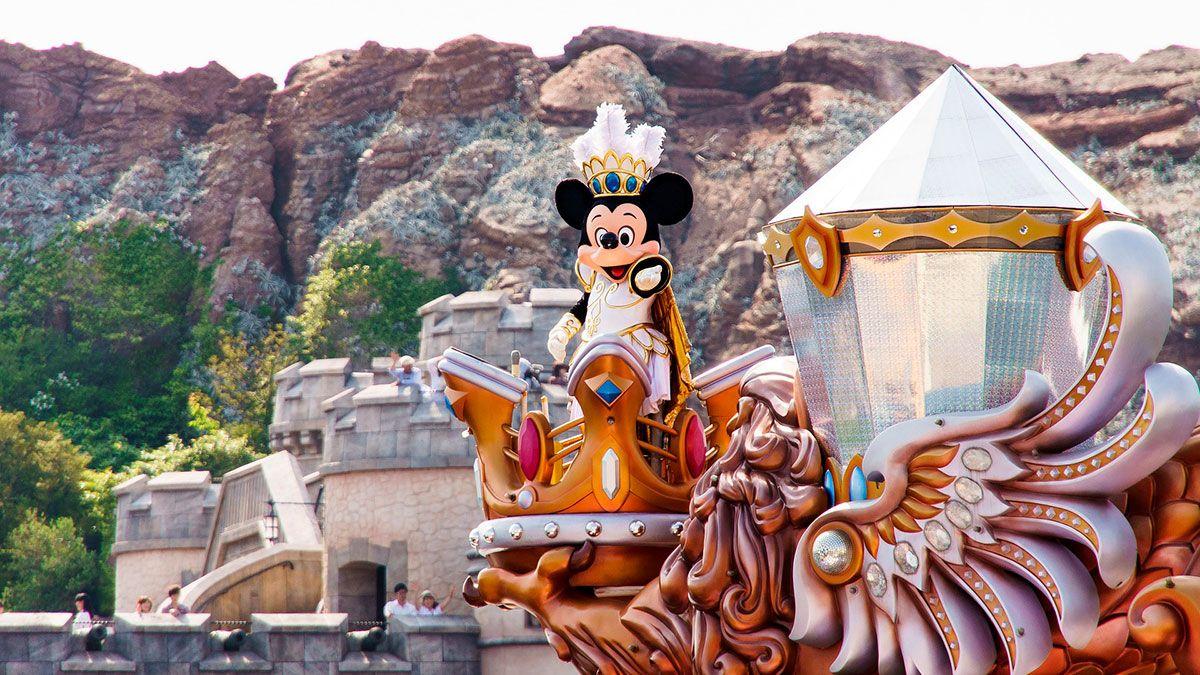¿Cómo es trabajar en un parque de Disney? ¡Estos secretos te sorprenderán!