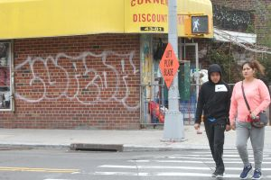 Pandilleros habrían atacado a batazos y apuñalado a menor en Long Island