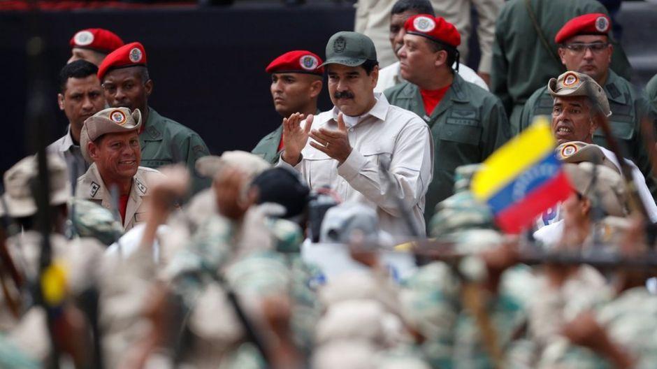 Crisis en Venezuela: Maduro anuncia que quiere ampliar las milicias con un millón de civiles más
