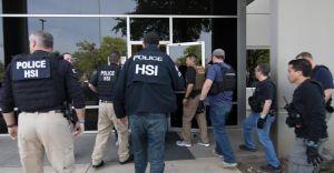 ICE captura a más 280 trabajadores indocumentados en Texas: la mayor redada en 10 años