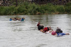 Vuelve la política de contención migratoria a México