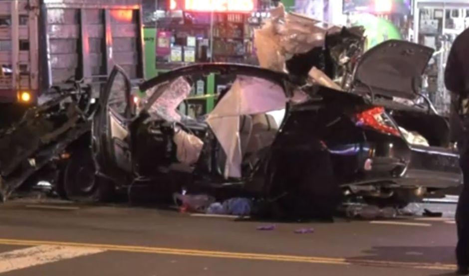 Joven hispano muere en choque múltiple que dejó auto destrozado en El Bronx