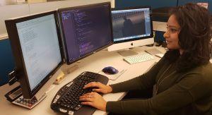 Más mujeres estudian los sistemas de información computacional