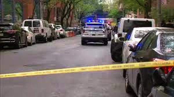 Tres adolescentes apuñalados en edificio NYCHA en Chelsea