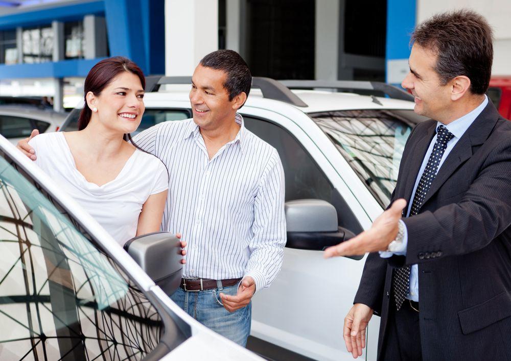 Estudio reciente asegura que en Estados Unidos hispanos son discriminados para obtener un crédito de auto, a pesar de cumplir bien los requisitos